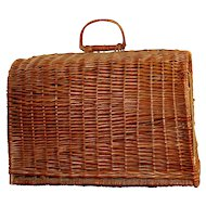 Rare Wicker Pet Carrier from 1940's. Hard to Find! Perfect!