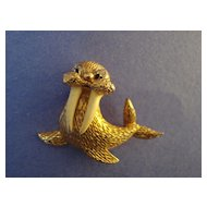 """Jomaz"" Walrus Mini-Brooch"