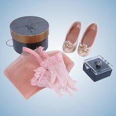Madame Alexander Hat Box and Accessories