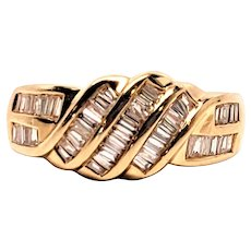 14K Diamond Encrusted Baguettes Kites Band Ring Size 6 Yellow Gold