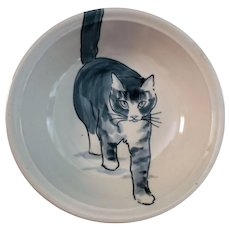 Beautiful Kitty Cat Pottery Bowl signed WARD