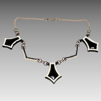 1940s Ceramic Classic Black and White Choker Necklace