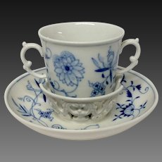 Meissen Blue Onion Cross-Sword Mark En Tremblant Cup & Saucer