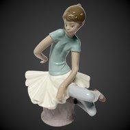 """Lladro """"Julia"""" #1361  Seated Ballerina"""
