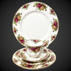 Royal Albert Old Country Roses 5-Piece Place Setting 1962 England Trademark
