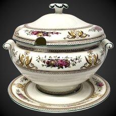 Stunning  Wedgwood China Columbia Pattern W595 Soup Tureen & Stand