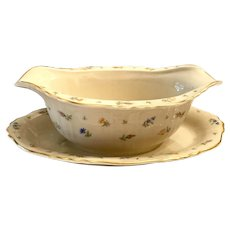 Charming Syracuse China Suzanne Gravy Boat With Attached Stand