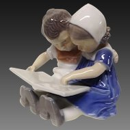 "Charming Bing & Grondahl ""Children Reading"" Figurine"