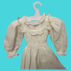 White Dress - Vintage white dress18.5 inches long for small antique doll - very nice