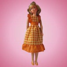 Barbie Pose N play Skipper doll 1971-1973 VTG orange geometric dress and shoes