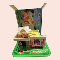 Liddle Kiddle Kolony Klubhouse in original box with 5 small dolls