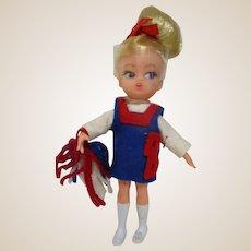 HAsbro Dolly Darlings Go Team Go Cheerleader doll all original with pom nice!