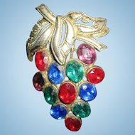 Vintage Grape Cluster Fruit Salad Rhinestone brooch pin lovely unsigned
