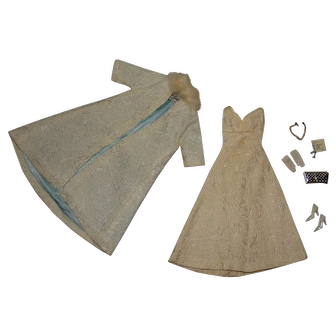 Vintage Barbie Complete European Exclusive Gala Abend Outfit