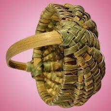 Miniature Buttock Basket