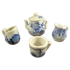 Miniature Flow Blue Tea