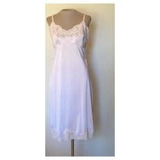 Vintage Light Pink Wonder Maid  Non-Cling Slip with Lace