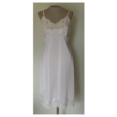 Vintage Light Pink WonderMaid Non-Cling Slip with Lace
