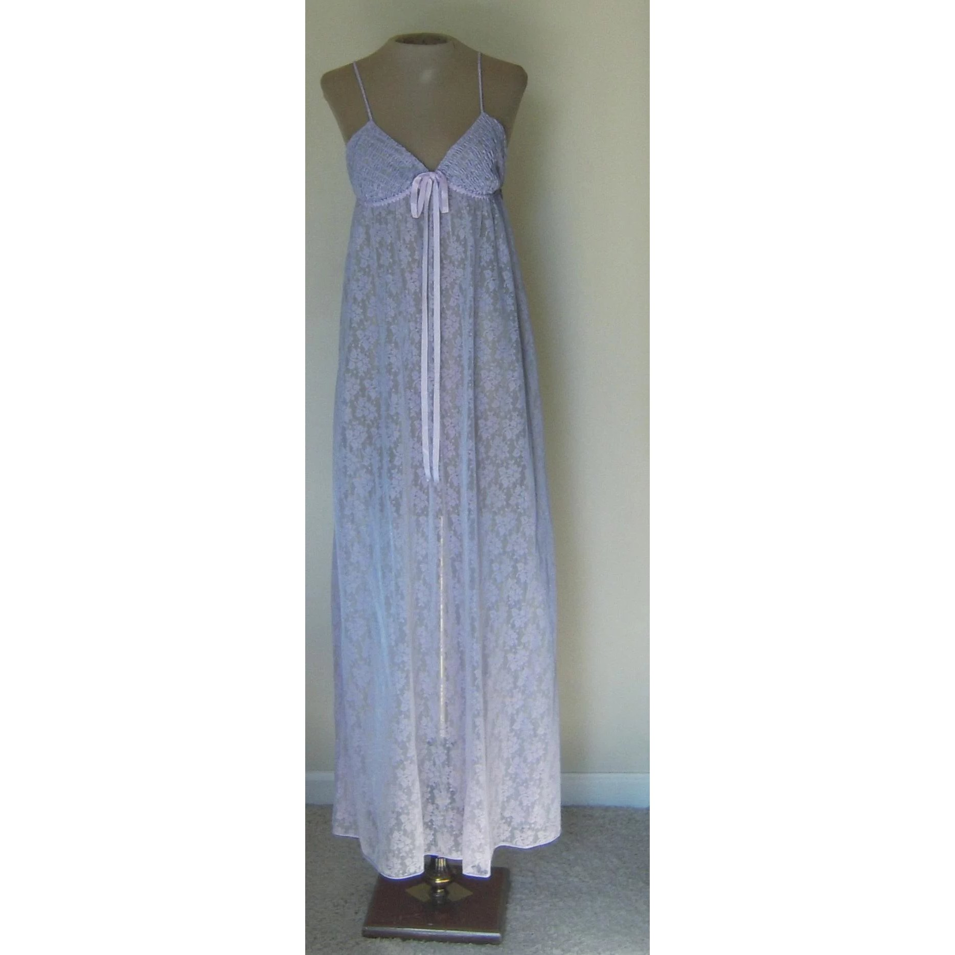 b31a37f0a1d Vintage Lavender Donna Richard for Gilligan  OMalley Nightgown   Beca s  Boutique