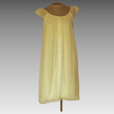 Vintage Miss Elaine Short Yellow Nightgown with Lace Down the Front