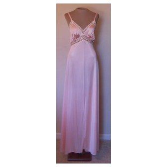 Vintage Peach Vassarette Long Nightgown with Pretty Lace