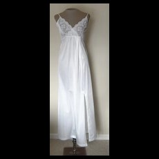 Vintage White Gilead Nightgown