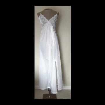 Vintage White Gilead Nightgown