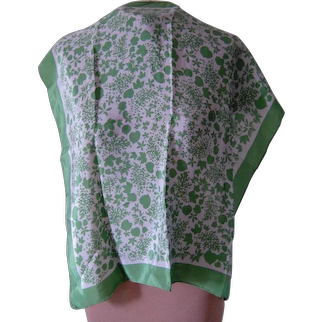 Vintage Green and Off-White Echo Scarf