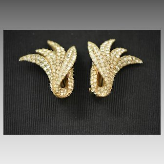 Stunning Ciner Golden Pave Set Rhinestone Leaf Earrings, 1950s Clip On Earrings, Wedding, Cocktail Party Earrings