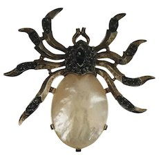 TRIFARI ALFRED PHILIPPE 18K Gold Plate Mother of Pearl Rhinestone Spider (1957)