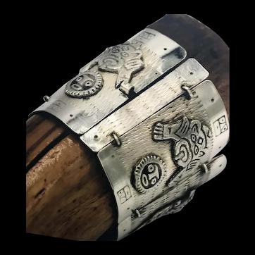 "PERUVIAN 900 Silver 2"" Wide Tribal Appliqués Panel Link Bracelet"