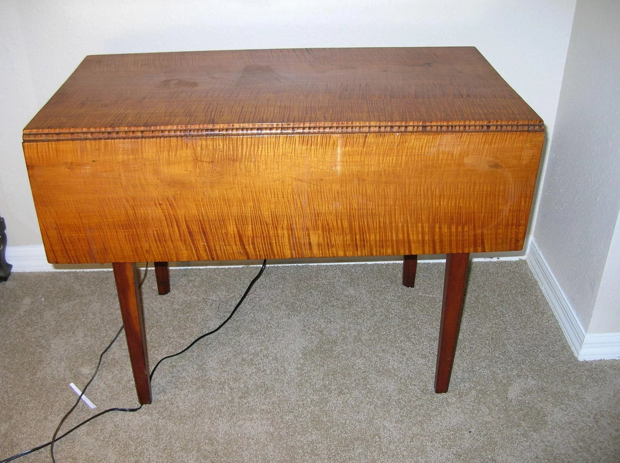 Antique Tiger Maple Drop Leaf Table 1790 S 1820 To Expand