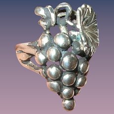 Vintage Sterling Ring Grapes