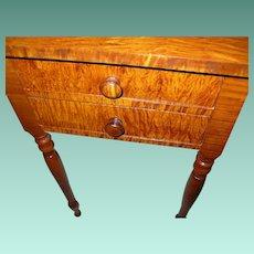 Federal Tiger Maple Drop Leaf End Table 1790-1820