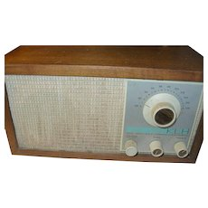 Vintage KLH Radio Model Twenty One