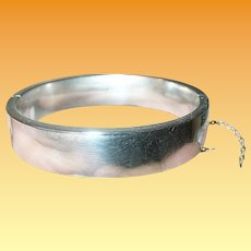 Vintage Sterling Hinged Bangle by Hayward