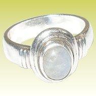 Vintage Sterling Silver & Moonstone Ring