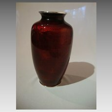 Pigeon Blood – Akasuke on Basse-Taille Cloisonne Vase