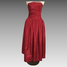 Oscar De La Renta – Saks Fifth Avenue Raspberry Red Gown