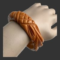 Bakelite Bracelet Deeply Carved Dimensional Art Deco c1940's