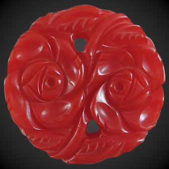 Bakelite Pin Carved Red Chunky Reticulated 1940's