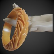 Bakelite Bracelet Yellow Carved Deep and Dimensional