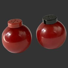 Bakelite Salt & Pepper Shakers Art Deco Round Globe c1930's