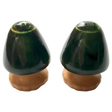 Bakelite Mushroom Salt & pepper Shakers Art Deco c1930's