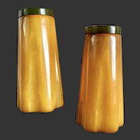 Bakelite Salt & Pepper Shakers Streamline Design Art Deco  c1930's