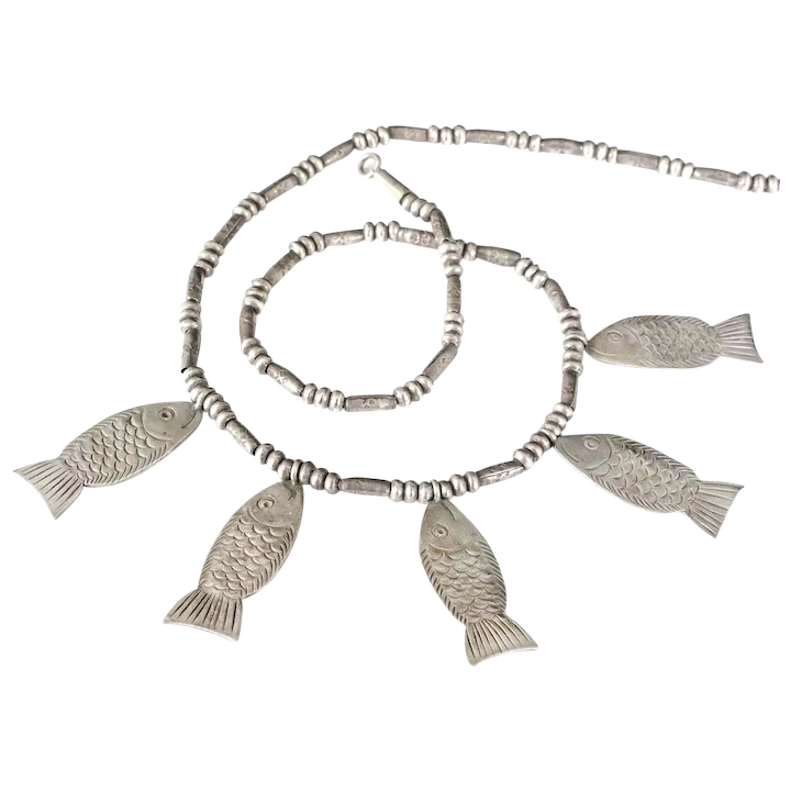 6510dc036cbbf folk art Mexican silver Patzcuaro Necklace with beads and fish charms
