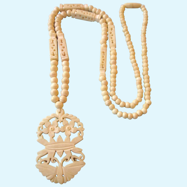Vintage Carved Bone Pendant 29 Long Necklace Del Mar Ii Jewels And Antiques Ruby Lane