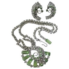 Dazzling Mid-Century Green Peridot Glass Silvertone Necklace and Screw Back Earring Set