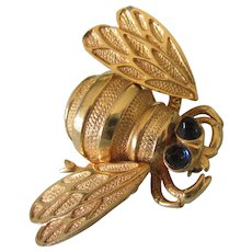 Quivering or En Tremblant Large Goldtone Bee Pin