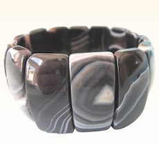 Sophisticated Banded Agate Mineral Gemstone Stretch Bracelet